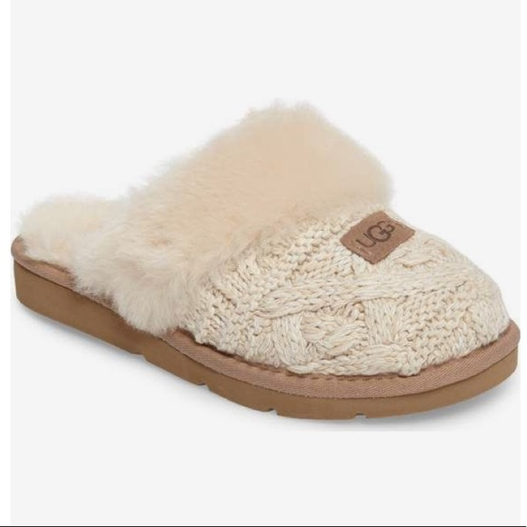 a4271c186b1 NEW Ugg Cozy Cable Knit Slippers NWT